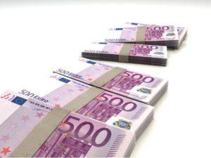 paczki z banknotem 500 euro