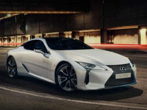 sportowe auto od Lexusa