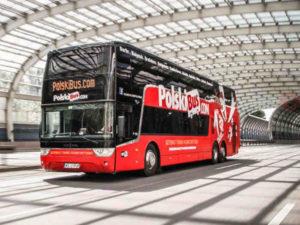 autobus na dworcu