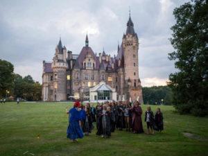 dzieci i pałac